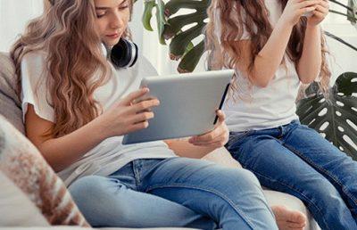 Screen Culture & Screen Addiction